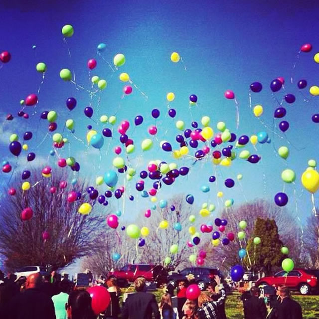 Balloon launch for Skylar and Sophie at burial